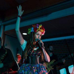 wokalno taneczne z live bandem (11)