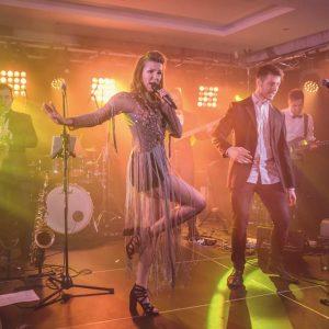 wokalno taneczne z live bandem (5)